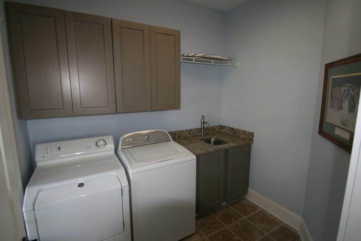 Onsite Laundry Lake Norman Rental